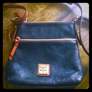 ⭐️ LiKE NEW LEATHER DOONEY & BOURKE⭐️